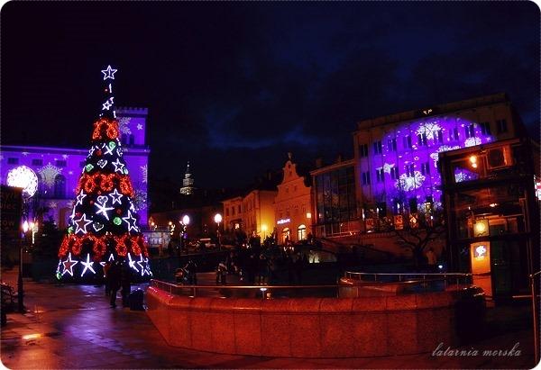 Bielsko-Biała_Plac_Chrobrego_choinka_20141_