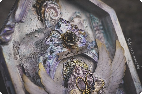 mixed-media_shrine_details1
