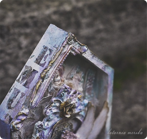 mixed-media_shrine_details2