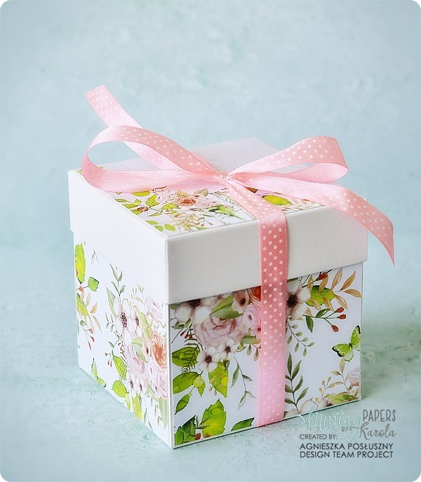 exploding_box_latarnia_morska_Mintay_Springtime